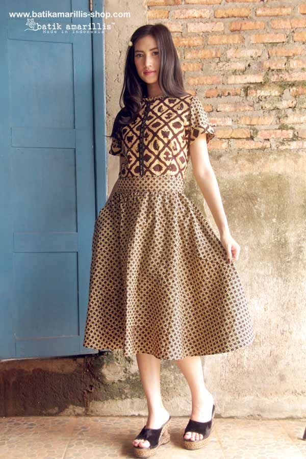 batik amarillis's rive gauche dress www.batikamarillis-shop.com 'Elegantly beautiful & timeless dress with flowing hemline such a charming dress accented with panelled detailing & contrast trims Made of hand drawn batik banyumas-Indonesia