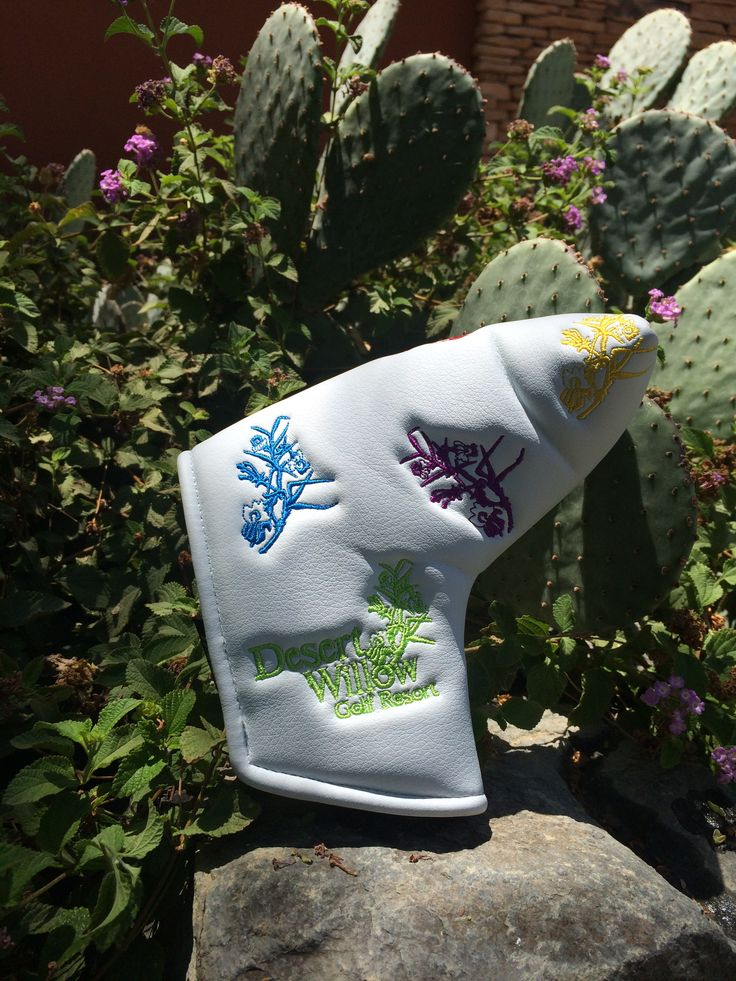 Unique Putter Cover for Ladies available at www.desertwillow.com #golfisgreat #golf #puttercover