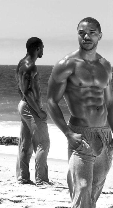 """nubianbrothaz: """" Mmmmmm.on beach. NubianBrothaz.tumblr.com """""""