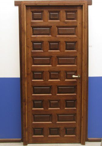 Puerta interior clasica modelo castellana barniz color for Carpinteria interior de madera