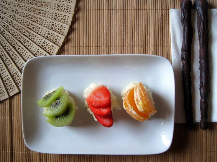 : Nigiri di frutta fresca e Maki- Sushi di Fragole e ananas -