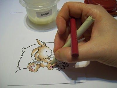 Using Goo Gone to blend colored pencils. Very nice tutorial. Dorcas Designs: Colored Pencil Tutorial