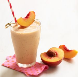 Shaklee 180 Peaches & Cream: only 284 calories! Lots of other healthy recipes on this blog: http://naturalhealthsolutionz.com/diet-smoothies-recipes-shaklee-180/