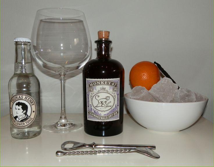 Monkeys gin + Elder flower tonic