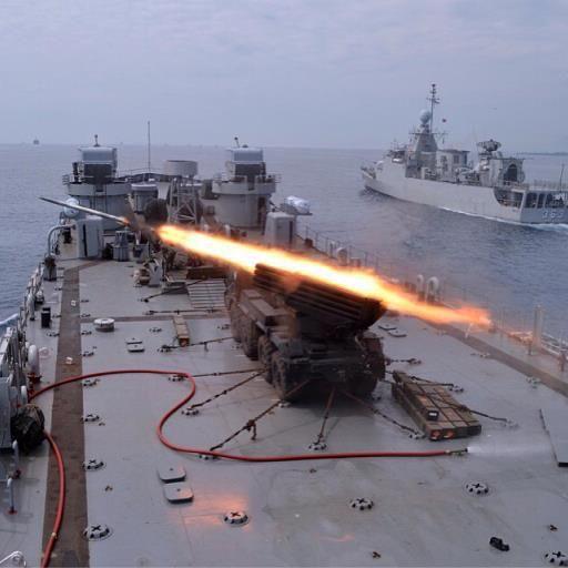 Aksi Roket MLRS Vampire Marinir, di Demo Tempur Laut