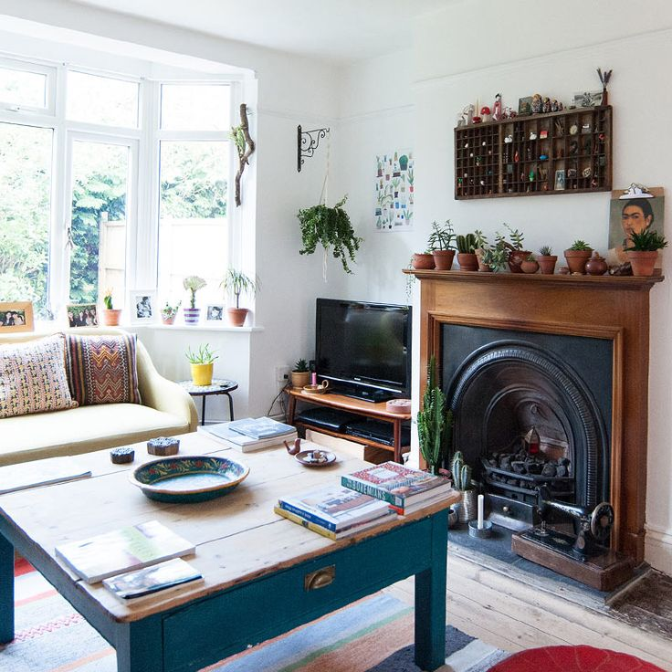An English Home Where White Paint Allows Colors to Pop | Design*Sponge