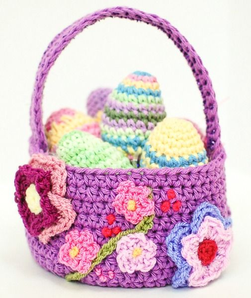 A pretty Easter basket crochet pattern that is perfect for your Spring decor! #Easter #crochet #basket #pattern