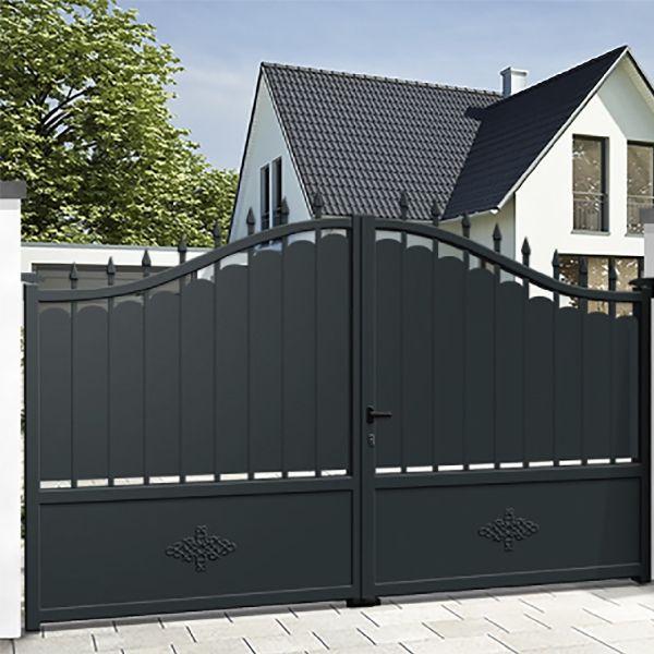 Aluminium sliding gate DENIA in 2020 | Gate designs modern ...