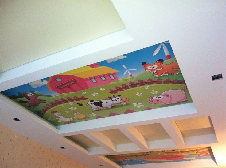 http://www.vgceiling.ru/blog/  Выбор натяжного потолка для детской комнаты  Дети растут очень и очень быстро, а это значит, что их вкусы меняются, как и отношение к жизни. Потолки натяжные в детской комнате прослужат несколько десятилетий, поэтому полотно лучше подбирать нейтрального характера. Стоит учесть, что за время использования натяжного потолка обои будут переклеены не раз, старая мебель поменяется на новую. Поэтому не рекомендуется приобретать броские и яркие варианты полотен…