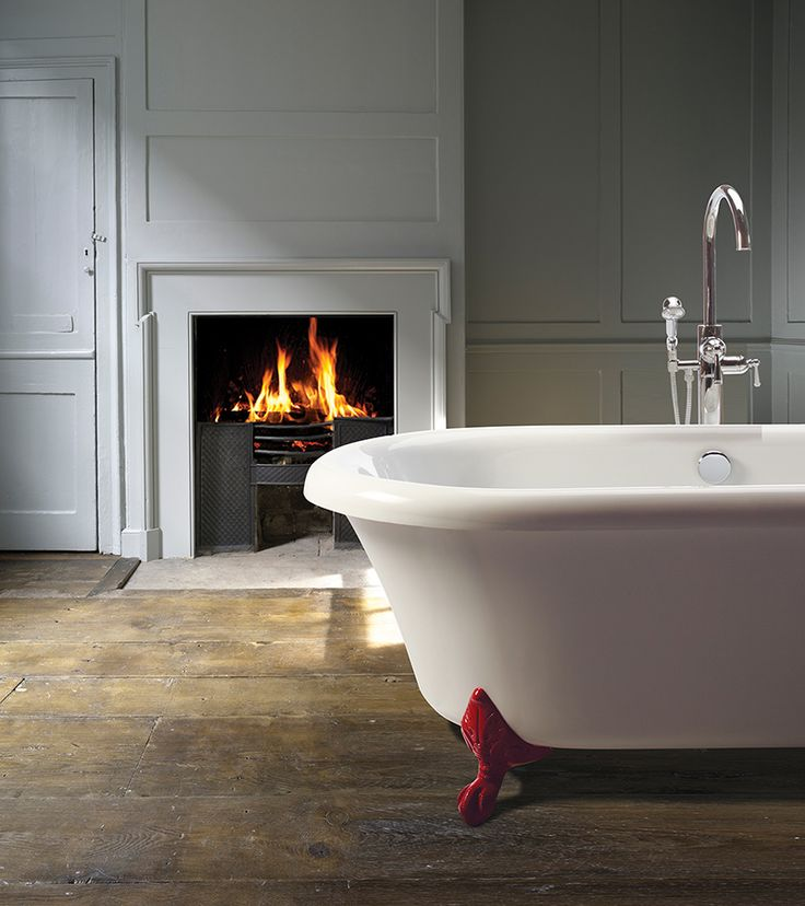 Melinda 10   Classic, Traditional Clawfoot Tub. Chrome And Brushed Nickel  Feet Standard.