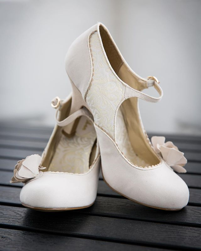 Your going to be on your feet all day and then probably dancing into the night.  What you you choose to for your #weddingshoes?  . . . . . . #weddingheels #tuesdayshoesday #shoesday #vintageshoes #vintagestyle #lowheels #comfyshoes #shoeporn #girlsloveshoes #delicateflower  #weddingphotography #bridalprep #devonweddingphotographer #documentaryweddingphotography #weddingphotographer #devonwedding #capturethemoments #weddingdetails #fineartphotography  #weddingplanning #bridetobe…