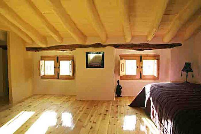 Casa Verde top twin bedroom
