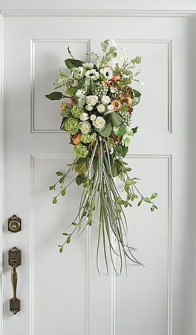 Best 25 door swag ideas on pinterest swag swag swag for Things to hang on front door