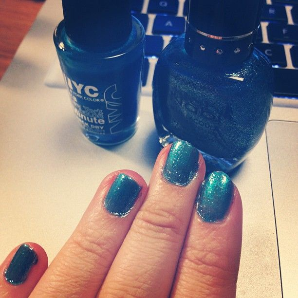tropical blue glitter nail polish, even though it's raining and gloomy.: Blue Glitter Nails, Tropical Blue, Glitter Nail Polish