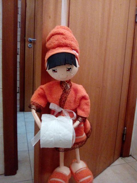 O Estaminé da Xé: Boneca suporte de rolo papel higiénico para pendur...