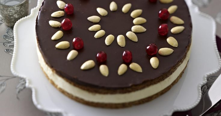 GINGERBREAD CAKE WITH MASCARPONE EGGNOG