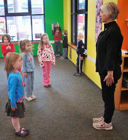 Good ideas for kids' yoga- circle time before class, explanation of space, incorporating their ideas, musical movement