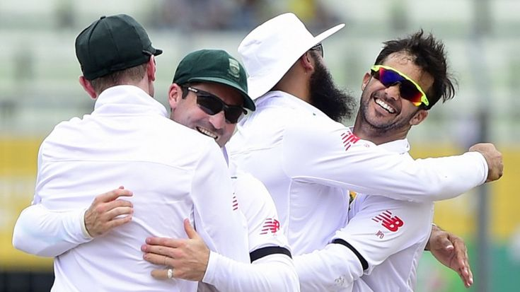 Led by Dale Steyn, who became the second-quickest bowler to 400 Test wickets, South Africa chipped away at Bangladesh's line-up reducing the hosts to 246 for 8 at the end of the first day.Losing 5 wickets tigers score only 92 runs in the final session, and Bangladesh have slumped to