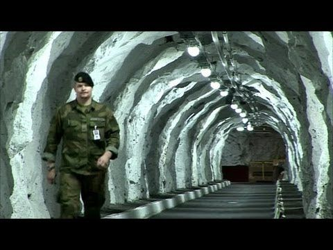 Greatest Mysteries of the Cold War: Nuclear Powered Base in Antarctica (...