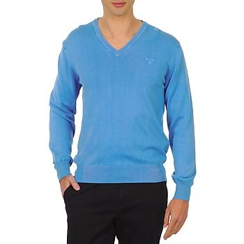 A classic shape and cotton material make for a very comfortable jumper that is easy to wear!