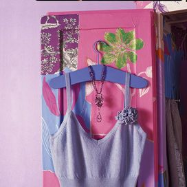 GRUCCE IMBOTTITERivesti le grucce in ferro da lavanderia con imbottitura e stoffa colorata: saranno ottime anche per appendere cappotti e maglioni pesanti. L