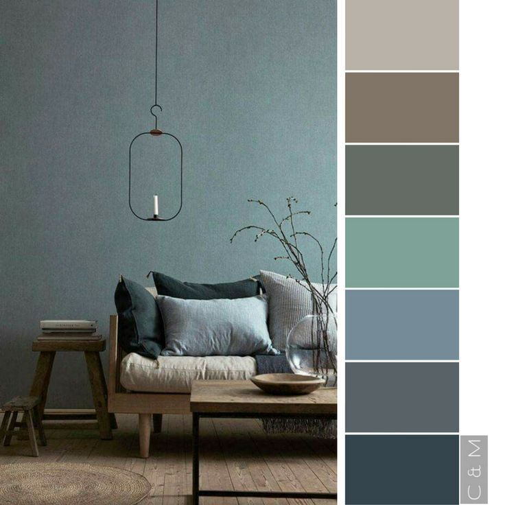 Hauptschlafzimmer mit hellgrünen, weißen und gelben / braunen