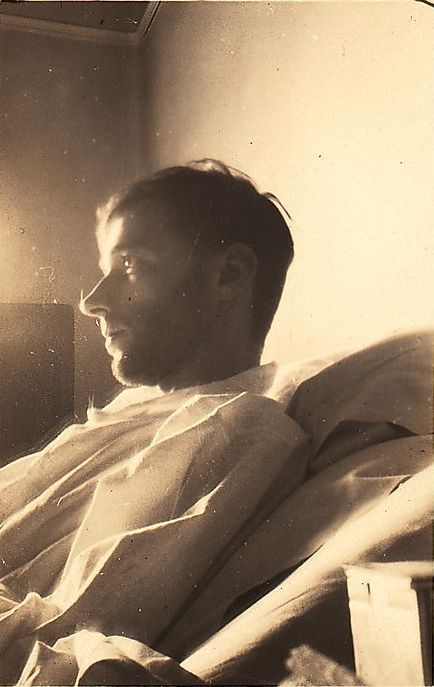 Walker Evans, Self-portrait in New York Hospital (Left Profile), New York City, June 1928