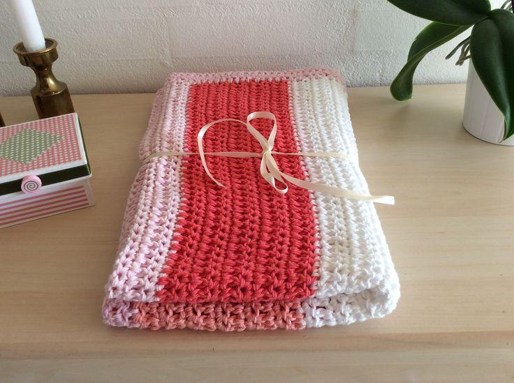 Crochet baby blanket / Hæklet babytæppe