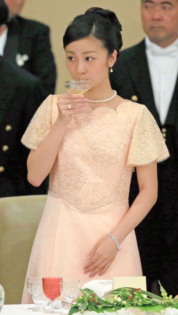 佳子さま、宮中晩餐会に初出席