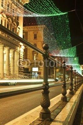 Roma via del corso tricolore italiano