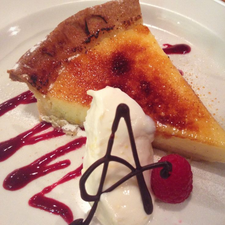 Torte di limoncello Classic lemon tart served with Mascarpone spiked with limoncello