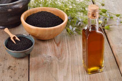 7 einzigartige und erwiesene Vorteile von Schwarzkümmelöl - eines der wirksamsten Naturheilmittel - ☼ ✿ ☺ Informationen und Inspirationen für ein Bewusstes, Veganes und (F)rohes Leben ☺ ✿ ☼