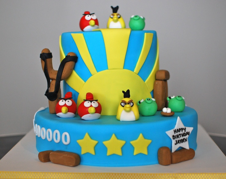 Angry Birds - When Lisa sent me a photo of an Angry Birds cake she was looking for I was super excited! I love bright and colourful schemes. I am not sure where the original picture came from (let me know if it's yours) but here is my version.    http://jkcakescalgary.blogspot.ca/2012/11/angry-birds.html