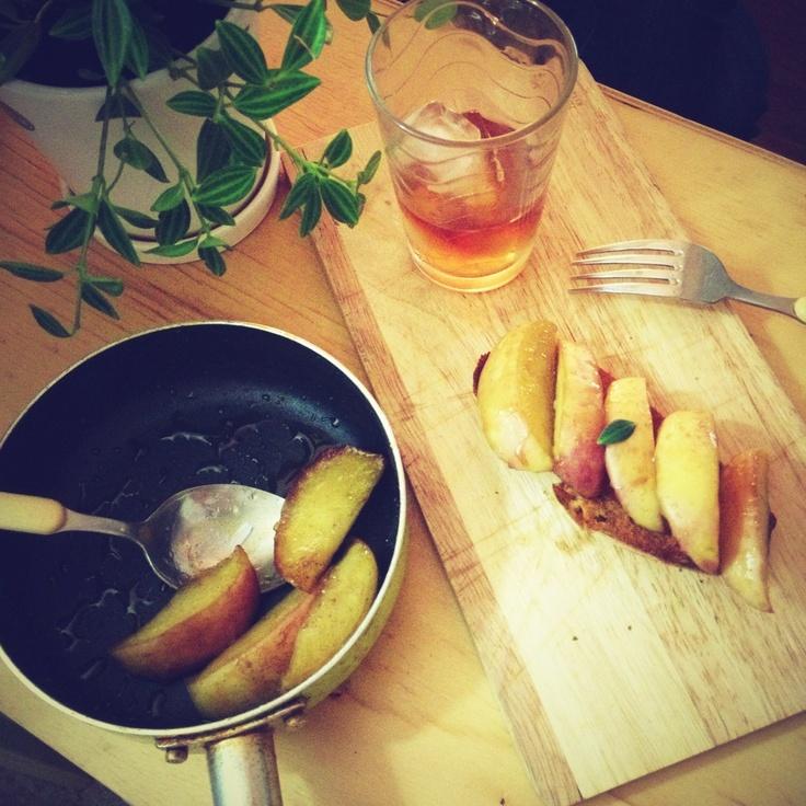 Apple boiled in cognac by HoniBee.