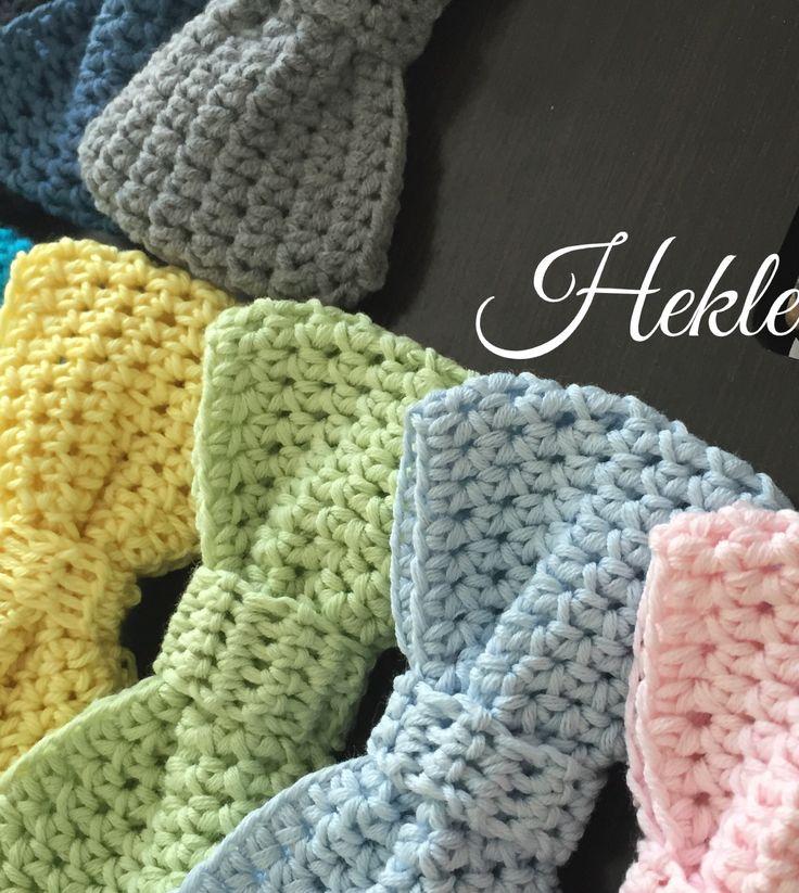 Little crochet bow