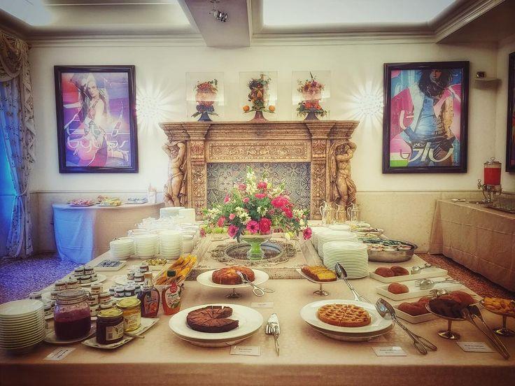 Art & breakfast @byblos.art.hotel - #arthotel #verona #valpolicella #buongiorno #colazione #colazionetime #luxury #luxurytravel #instafood #instaluxury #food #byblos #vinitaly2016 #besthotel #love #beautiful #art #design #delicious #picoftheday #instadaily