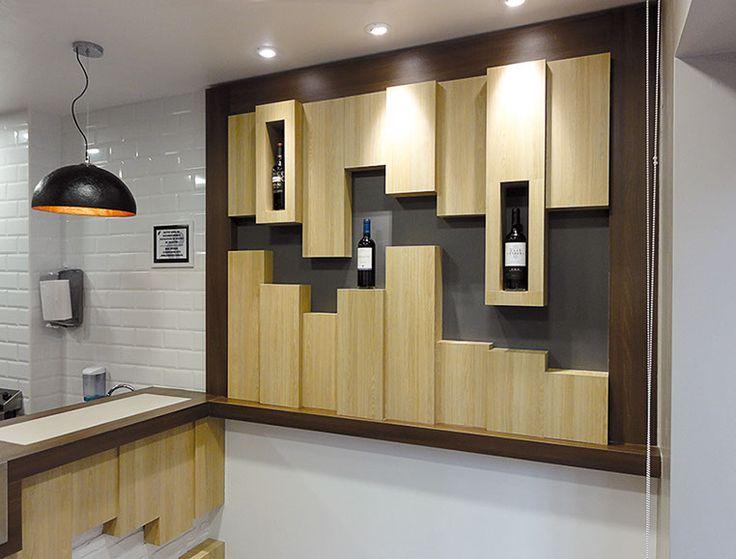 Finsa material: Superpan Decor Roble Hera y Acacia Choco  Place:SuperPollo 5 restaurant, Mungía, Bizkaia, 2014   Construction: Seikide Carpenters