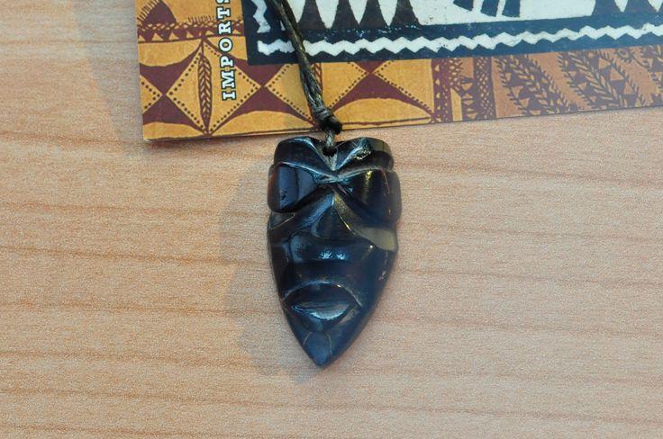 Ciondolo maschera dio Tiki corallo nero del Pacifico surf polinesia. http://www.ebay.it/itm/281824997391 #art #ciondolo #bestoftheday #jewelry #chic #cool #polynesian #samoa #fiji #tonga #oceano #oceanopacifico #colors #handmade #collana