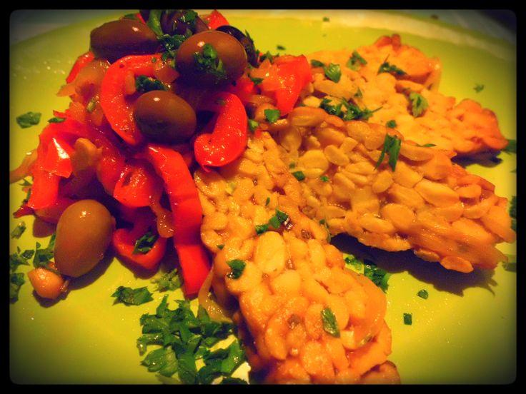 Temphe marinato con peperoni e olive taggiasche