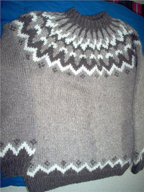 Icelandic lopi sweater by Mytwist, via Flickr