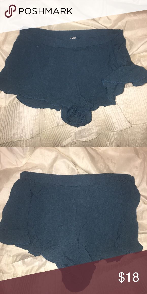 bethany mota- o'neill store shorts !! blue/green ruffle shorts -o'neill O'Neill Shorts