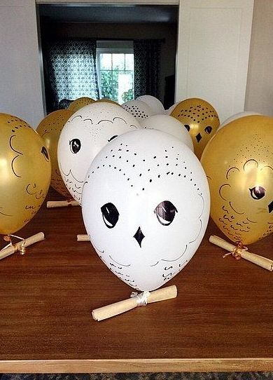 The best decorations for a Harry Potter party.