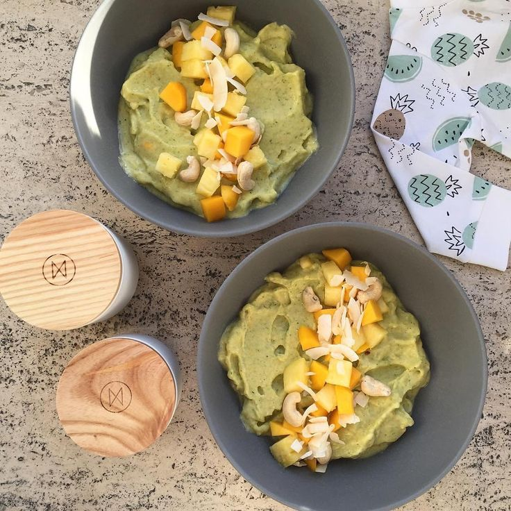 Homemade nice cream & NJORD supplements - it must be Sunday.. For the nice cream: Frozen mango, pineapple and broccoli blended until creamy. If not sweet enough, add honey or agave syrup. YUM!