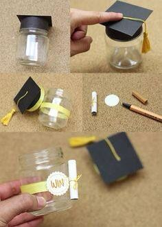 Glass jar graduation decoration                                                                                                                                                                                 Más