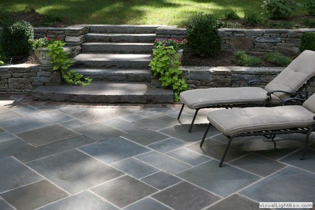 Bluestone-patio-and-stone-slab-steps--to-upper-lawn-area--IMG-0506