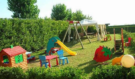 799 best images about play houses kitchens etc on pinterest children play play houses and - Great small backyard ideas ...