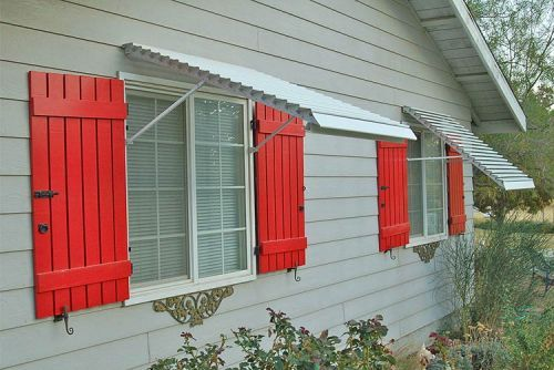 Read more: We discover a new one-stop source for 44 different styles of window awnings - Retro Renovation