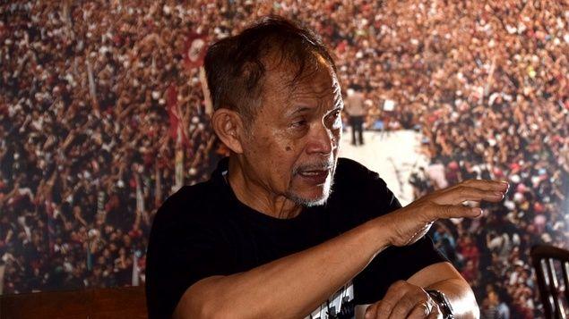 """Goenawan Mohamad: Ahok Dijaga Betul Sama Jokowi 2019 Jadi Wakil Presiden  Goenawan Soesatyo Mohamad (lahir di Batang 29 Juli 1941; umur 75 tahun) adalah seorang budayawan Indonesia. Ia juga salah seorang pendiri Majalah Tempo. Intelektual yang memiliki pandangan liberal dan terbuka ini salah satu pendukung Jokowi-Ahok. """"Ini Ahok dijaga betul sama Jokowi. Saya mengira 2017 Ahok jadi gubernur lagi dan 2019 jadi wakil presiden"""" kata Goenawan saat diwawancarai media online Tirto.id baru-baru…"""