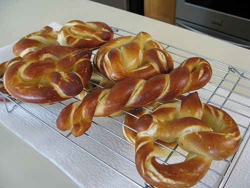 Auntie Anne's Pretzel Clone GF recipe MUST try!!  I NEED a kitchenaide