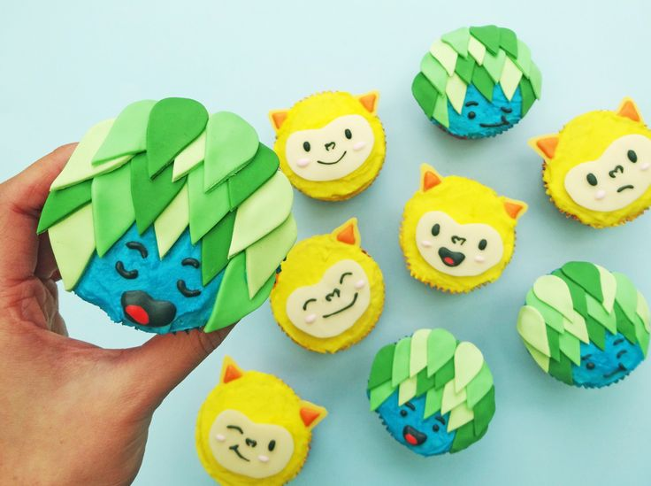 Make these adorable Rio Olympic Mascot Cupcakes for your next viewing party.